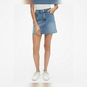 GAP High Rise Denim Mini Skirt- Frayed hem Size 10